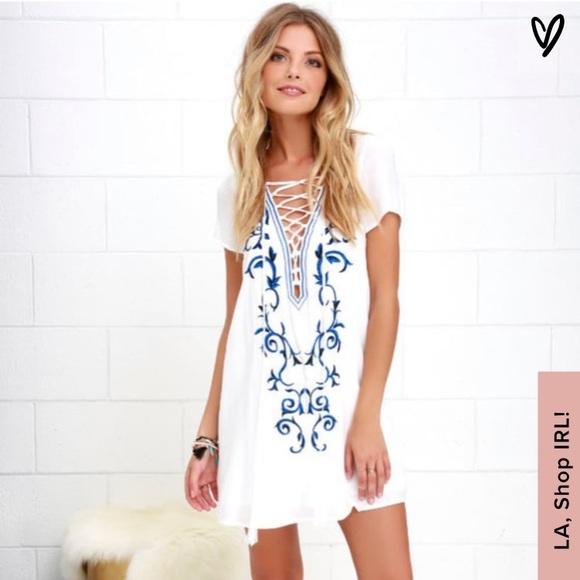Lulu's Dresses & Skirts - Embroidered Shift Dress